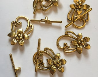 Package of 5 Large Antique Gold Toggle Clasps. Base metal finding. Decorative clasp for necklaces and bracelets. 1.5 inches long clasped.