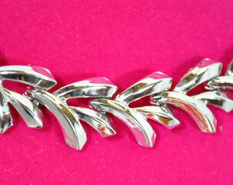 Vintage Charel Silvertone  Abstract Leaf Necklace