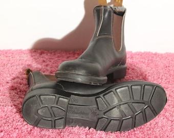 BLUNDSTONE ORIGINAL 500 BOOTS//Men's 12//Black/Brown//Retro//Australian Hiking Boots//Minimal Wear (1-2 times max)//Slip-on//Missing Insole