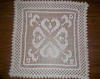 New Crochet Doily/Hearts/Square/Breadcloth/White/Hostess Gift/Wedding