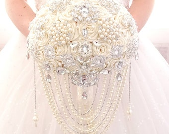 BROOCH BOUQUET in cascading white or ivory colour for a royal princess bride, for wedding in Great Gatsby bling design