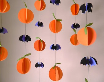 Halloween Garland/ Paper Garland / Halloween Decorations/ 3D Pumpkins and Bats Paper Garland /Fall Decor / Photo Prop/ Window Decor