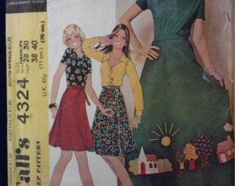 Vintage Sewing Pattern McCall's 4324 for a Woman's Wrap Skirt in Size Medium