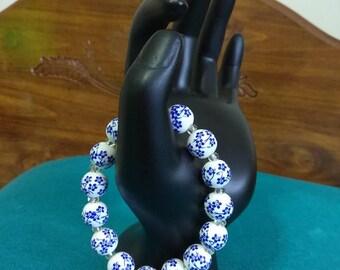 white glass flower design beaded   spring flower bracelet  spring flower glass beaded bracelet  summer glass beaded flower bracelet design