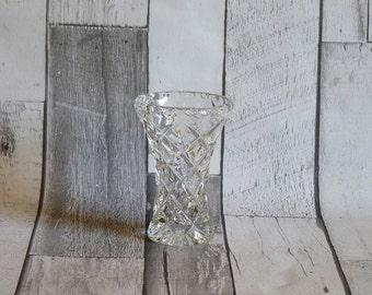 Pretty Vintage English Glass Flower Bud Vase