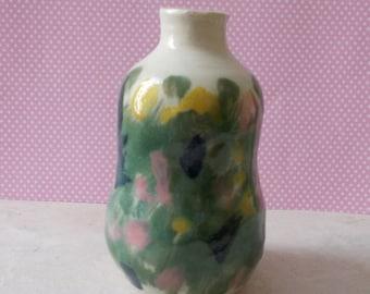 Mini-vase ceramic spring pattern