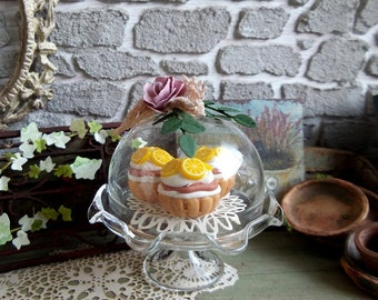Miniature, Cupcakes cake under a glass dome, pastry to choose from, pink flower and lace, accessory Dollhouse scale 1/12