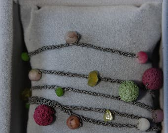 Necklace and/or bracelet in pure real silk with hard stones and crystals