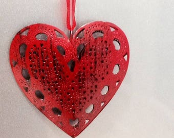 Decoration heart 3D red reflection metal black