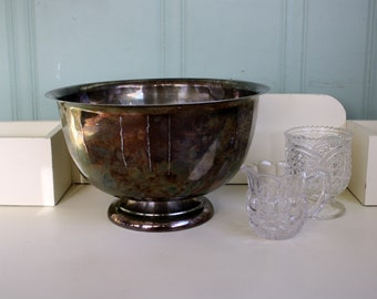 Silverplate Bowl Shabby Catch All Fruit Bowl English Silver MFG Corp Made in USA