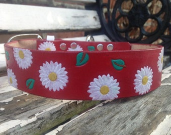 Leather dog collar with flower