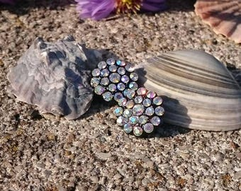 Rainbow Color Flower Clips - Vintage Ohrclips mit funkelnden Strasssteinen in Aurora Borealis, 1960er Jahre, Vintage earclips Jewelry