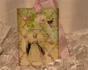 French Market Vintage Style Marie Antoinette Glittered Gift Tag Paris Apartment Carte Postal  ECS