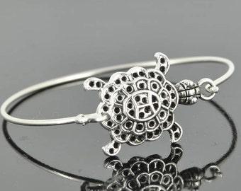 Turtle Bangle, Sterling Silver Bangle, Turtle Bracelet, Stackable Bangle, Charm, Bridesmaid Bangle, Bridesmaid jewelry, Bridal Bracelet