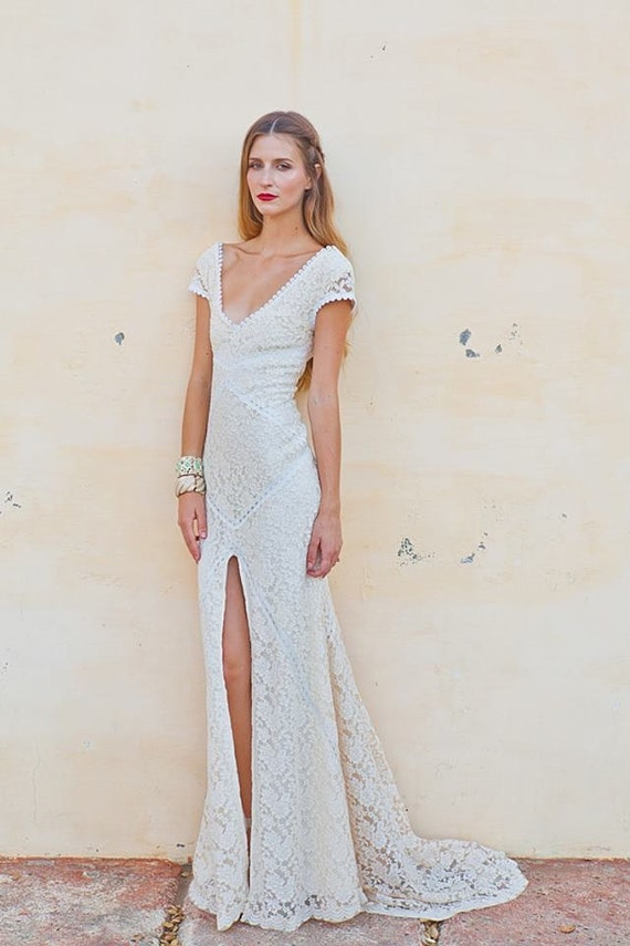 Stretch Lace Bohemian Wedding Dress LACE GOWN with Train