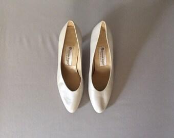 Etienne Aigner leather heels | cloud gray pumps | 8