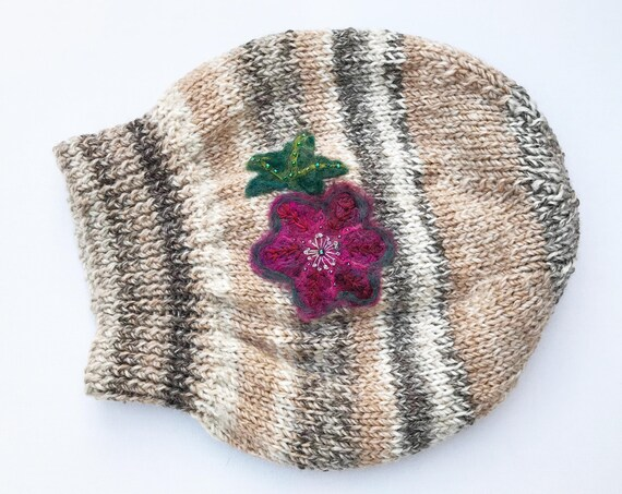 Cherry Pie Slouch Hat - Almond Hat Slouchy Stone Hat with Pink Flower Design - Elegant Cosy Winter Hat - Christmas Gift for Her - Cream Hat