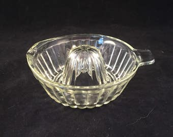 Clear Glass Juicer Reamer with Tab Handle and Pour Spout, Vintage, Excellent Conditon
