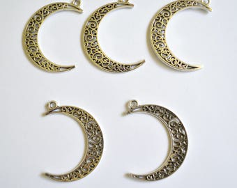 5 x Crescent Moon Pendants ~ Antique Silver ~ Lead and Nickel Free