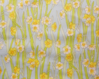 1970s Yellow and White Jonquil Flowers on Vintage Sheet Fat Quarter