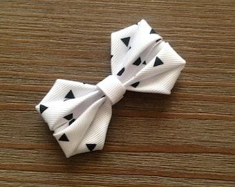"Style: Lilly, cute 3"" hair bow"