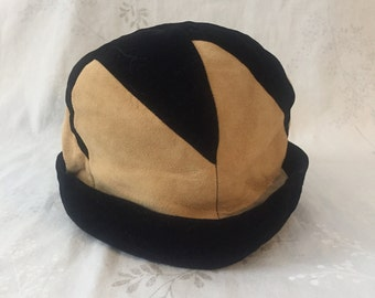 Black and Tan Flapper hat