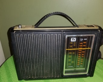 General Electric GE 4-Band Radio 7-2925A with am-fm-tv