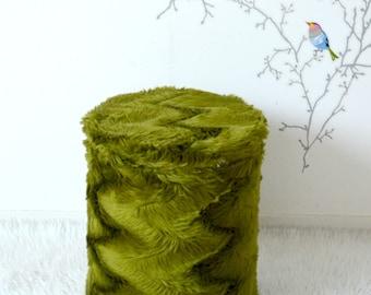 """pouf faux fur """"marmoset"""" green olive, vintage 70's"""