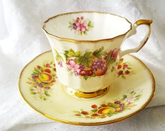 Elizabethan Staffordshire bone china cup saucer set/Hand Decorated