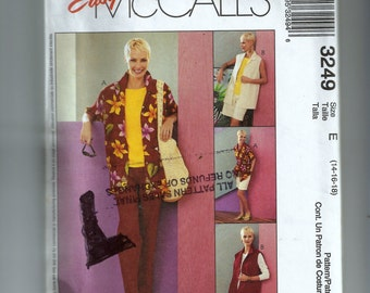 McCall's Misses' /Miss Petite Shirt, Top, Pull-On Pants and Shorts Pattern 3249