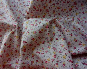 Vintage fabric or vintage mini flowers and roses, doll