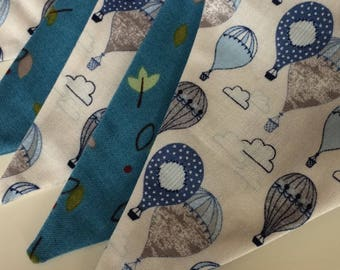 Blue Hot air balloons bunting