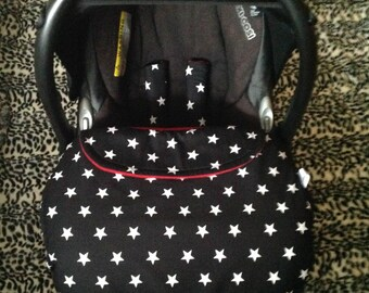 baby car seat apron slide on harness strap covers  black white stars cotton fabric red fleece  universal fit handmade stay on blanket