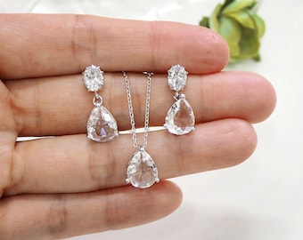 Bridesmaid gift set- clear crystal necklace, Champagne pendant necklace,cubic zirconia earring, glass stone, Bridesmaid gift