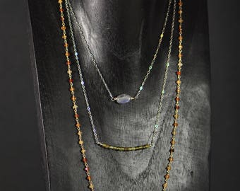 Faye - 3rangs silver labradorite necklace, green garnet and hessonite