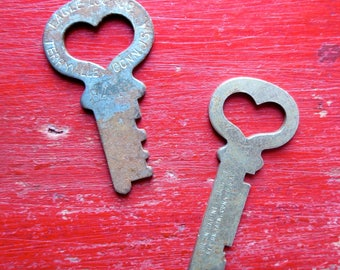 Small heart skeleton keys 2 Vintage heart skeleton keys Vintage heart keys Key to My Heart Wedding keys Antique Old heart keys Pair #12