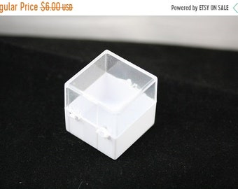 Craft Supply Sale - Plastic Specimen Display Box - 12 Each