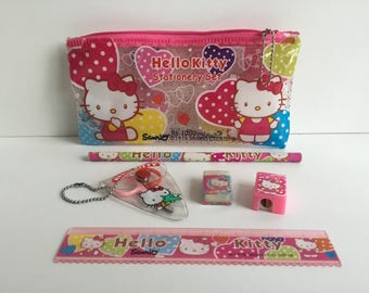 Vintage 1976 SANRIO Hello Kitty Stationery Set in Vinyl Pouch