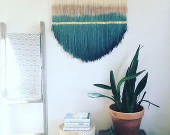 Yarn wall hanging