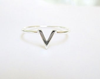 Silver V Chevron ring - small V - Sterling Silver (D)