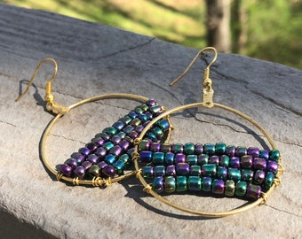 Beaded circles earrings, iridescent beads, festival earrings, gypsy earrings, bohemian earrings