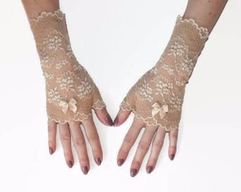 Fingerless lace gloves, beige lace gloves, lace gloves, beige fingerless, elegant gloves, lace cuffs, boho gloves, tea party gloves, gloves