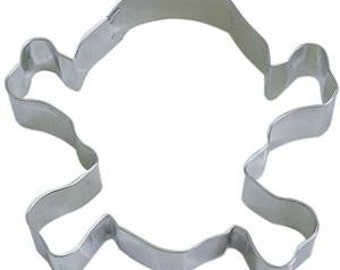 """3.25"""" Pirate Skull and Crossbones Cookie Cutter Halloween cookie cutter,"""