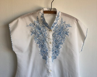Vintage 1950s Embroidered Blouse