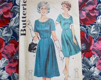 "1960s dress pattern / Butterick 9796 / 60s day dress with scoop neckline / bust 40"" waist 32"""