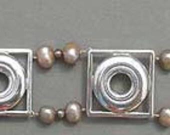 Pearl and Key in Frame Bracelet