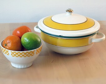 Vintage Small French Tureen - Shabby Chic -Vintage Enamel Casserole Pan, Vintage Enamelware Cookware, Baking Pan Mid Century Kitchen