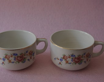 Lot of 2 cups of coffee SAN CLAUDIO. Vintage cups. Old cups. Decorated porcelain. cups with seal of the manufacturer. Floral decoration.