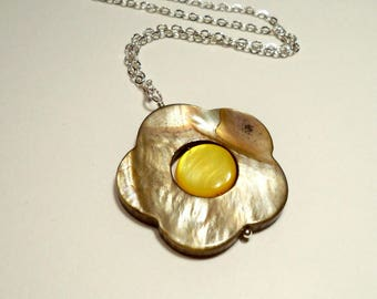 Mother of Pearl Layered Silver Summertime Necklace in Silver-Gray and Yellow