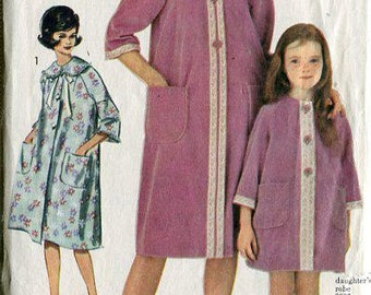 FREE US SHIP Vintage Retro 1960's 60's  Sewing Pattern Advance 3041 Misses Housecoat Robe Bust 34 Robe